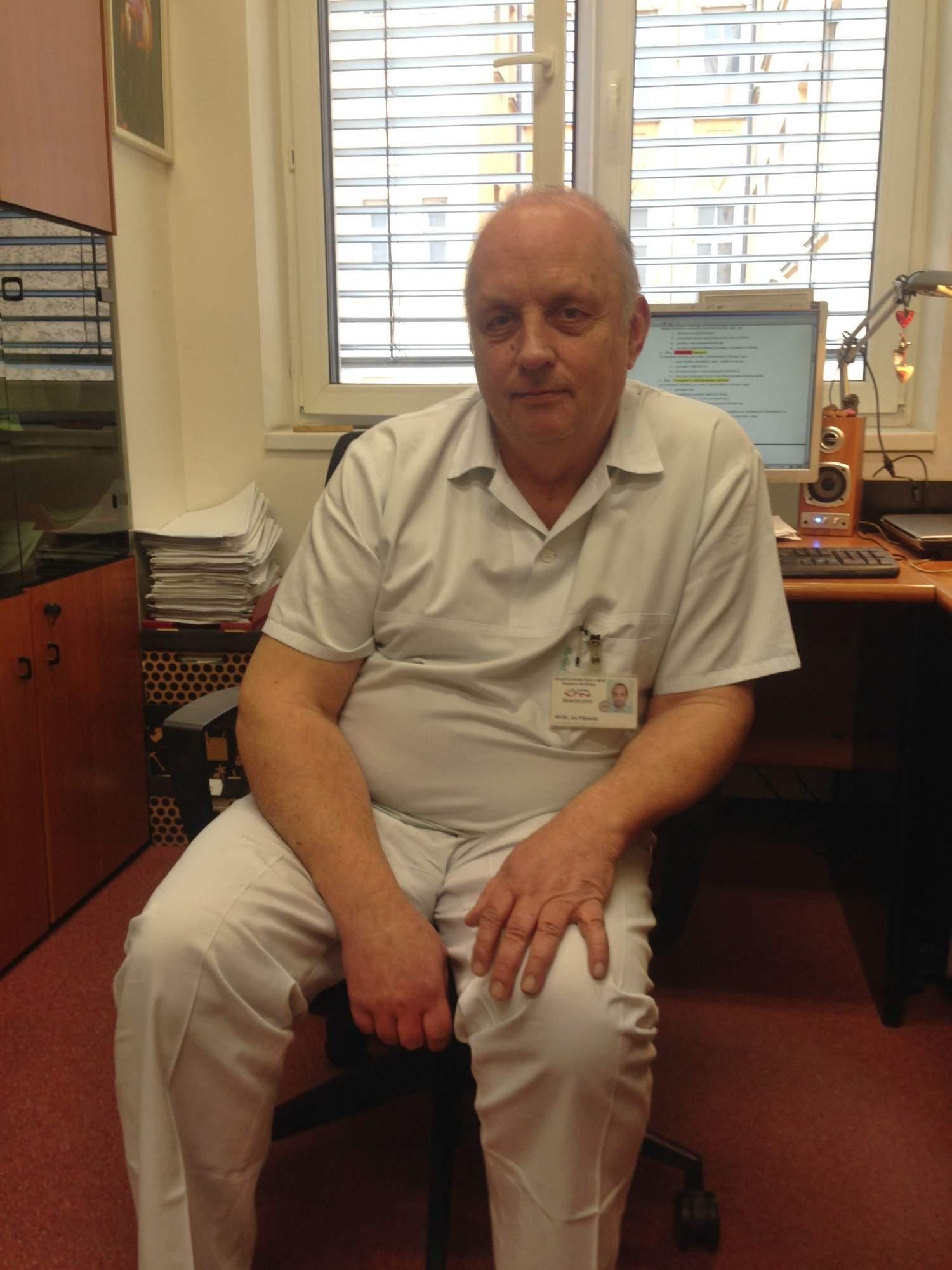 Lékař Jan Filipinský vede v Úrazové nemocnici Brno oddělení pohotovosti. Foto: Eliška Pospíšilová