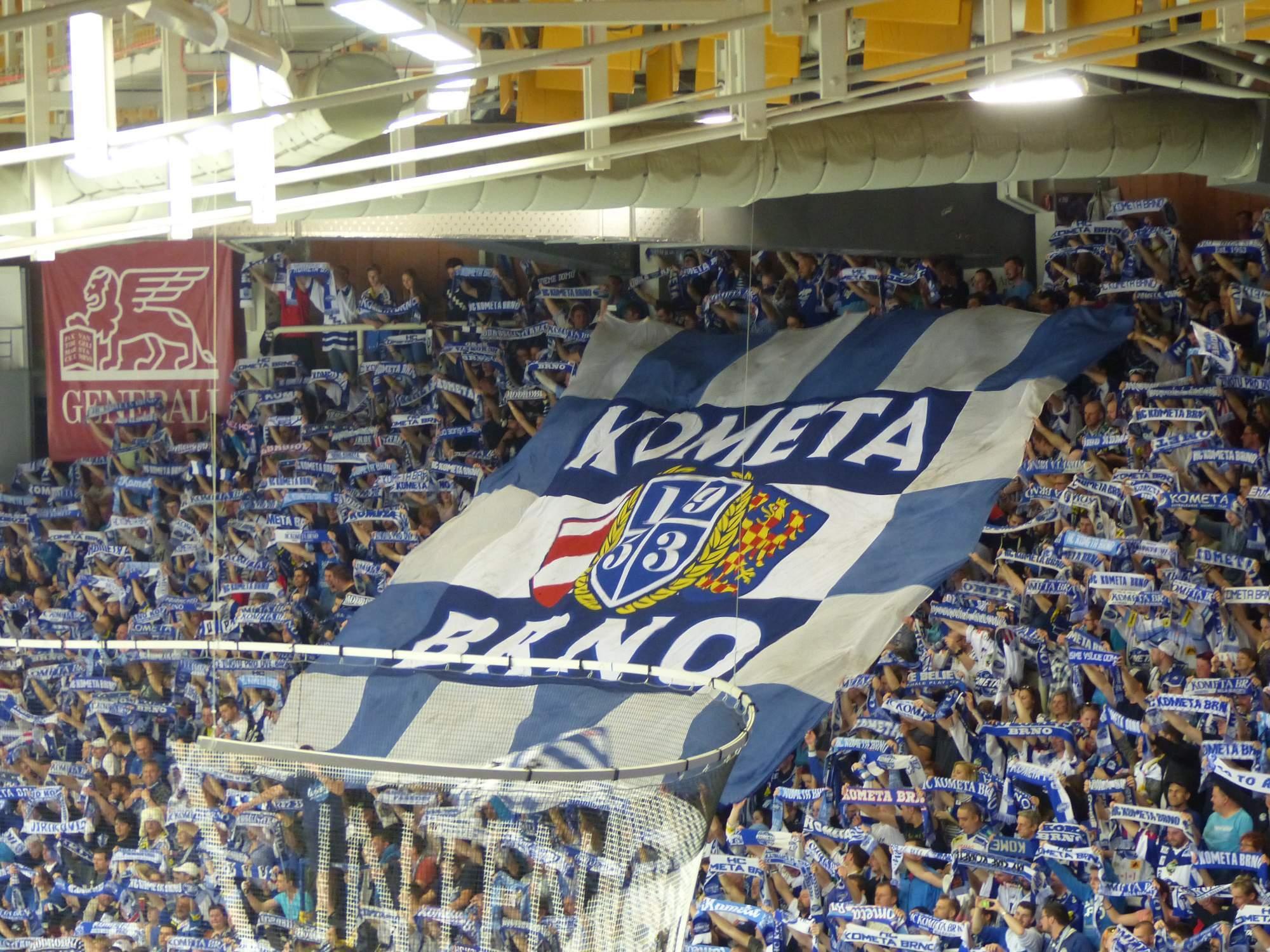Transparent fanoušků Komety Brno. Foto: Ondřej Kaloud