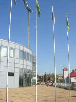 ZLEVA: Městský karvinský stadion + Restaurace Ovečka-Karvinský pivovar (žlutá budova) + Požární zbrojnice Karviná-Ráj.