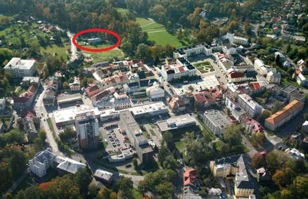 Oáza, Karviná - Fryštát - Restaurace je označena červenou barvou - oválem.