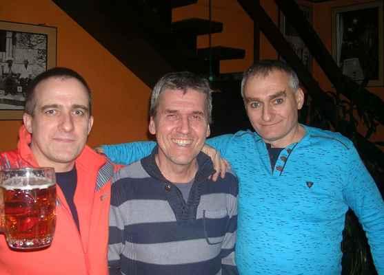 pan Mirek Kubík (uprostřed) , majitel a vrchní - Oáza Karviná - Fryštát
