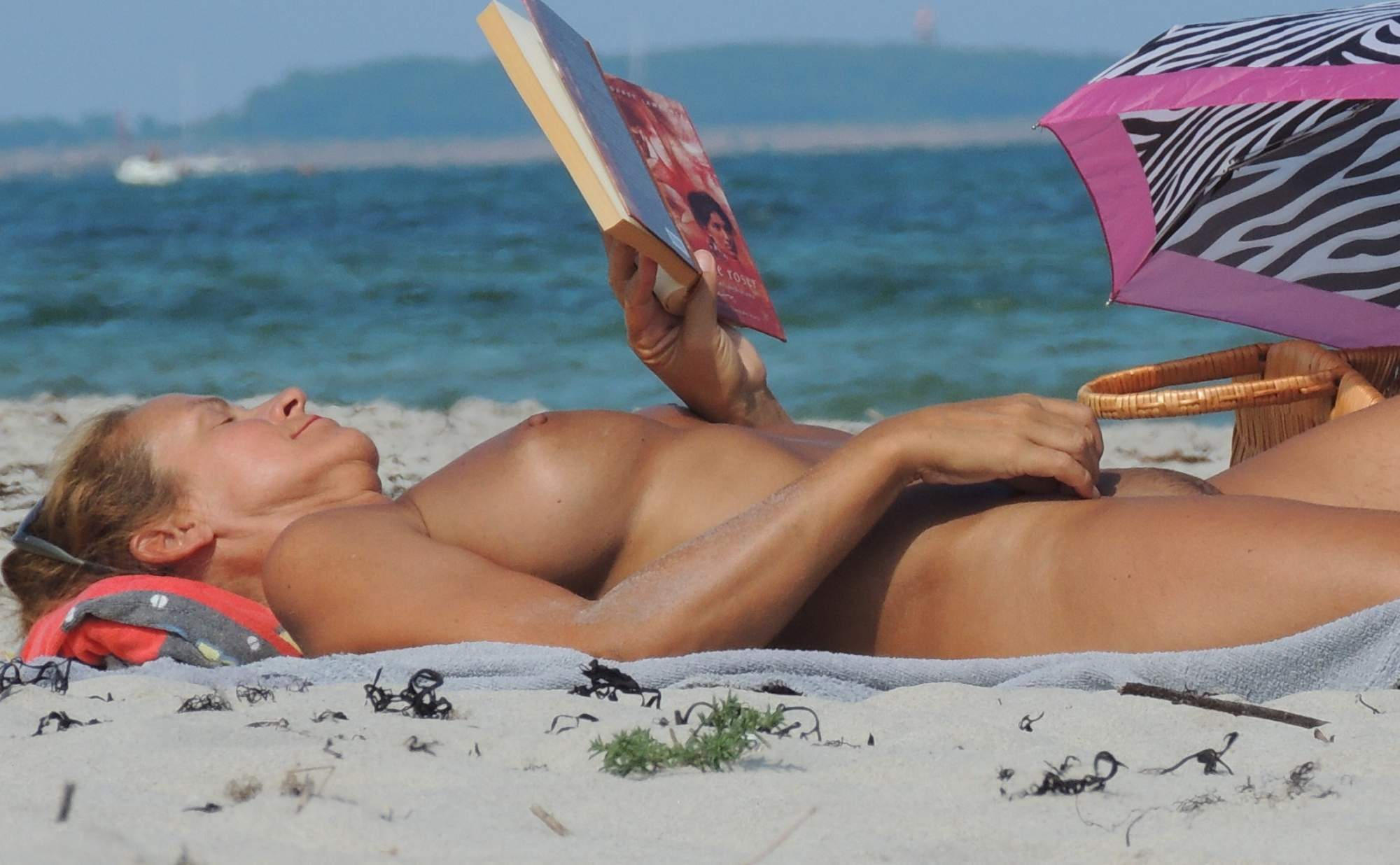 анатолий нудистский пляж