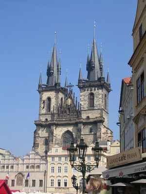 Týnský chrám na Staroměstském náměstí v Praze.