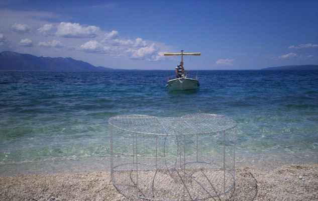 Chorvatsko - Gradac. Past na ryby a loď.