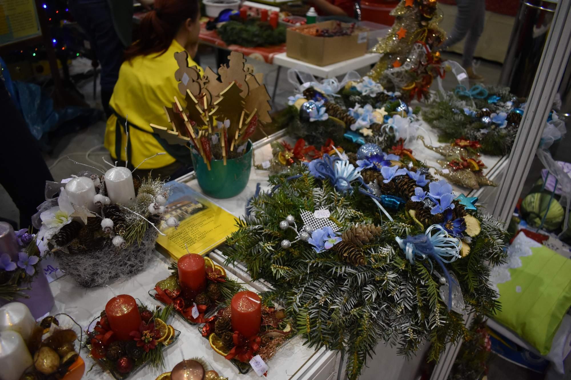 Výrobky z kreativní dílny, které vyrobili žáci. Foto: Eliška Podzemná