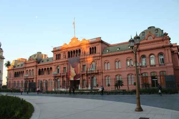 Caca Rosada - název podle růžové fasády