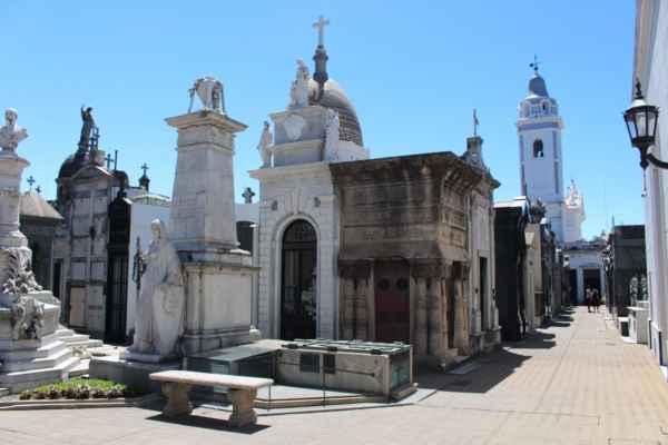 hrobky jsou impozantní