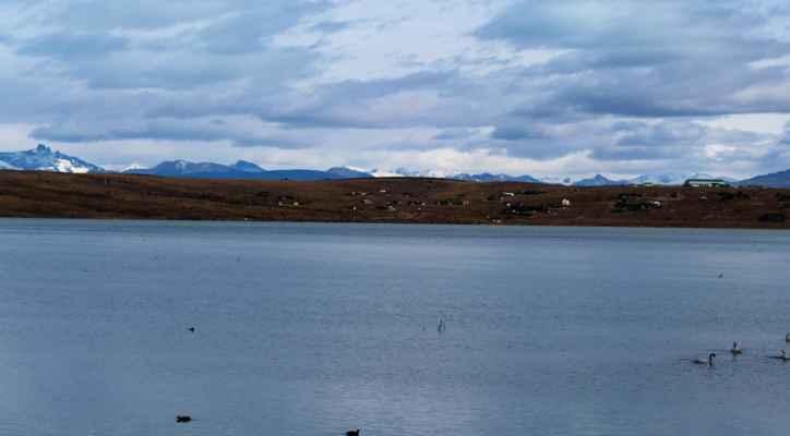 ale s výhledem na jezero a Andy v dálce