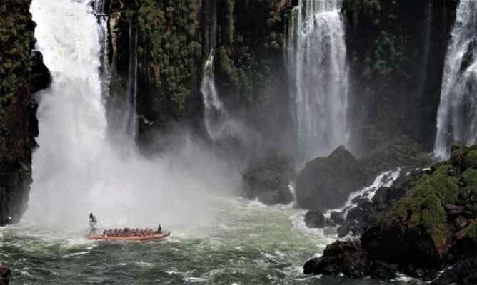 turistům se to líbí, foťákům a kamerám už méně