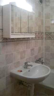 Obkladové panely ABITIBI - Marble Mosaic  521, rekonstrukce koupelny
